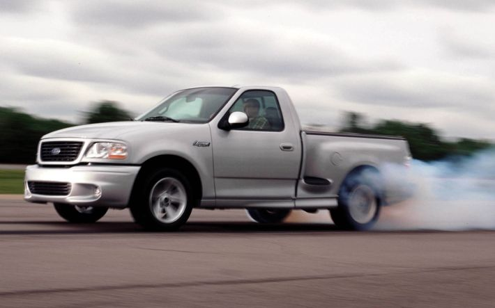 2004-ford-f-150-svt-lightning-front-view-in-motion
