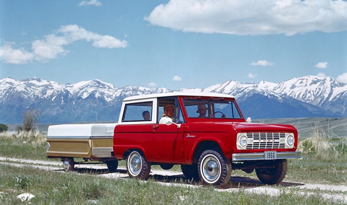 ford_bronco_mountains