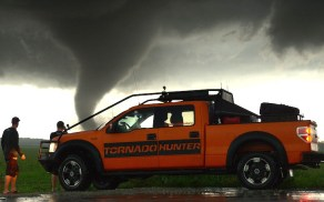 2015-ford-f150-tornado-hunter