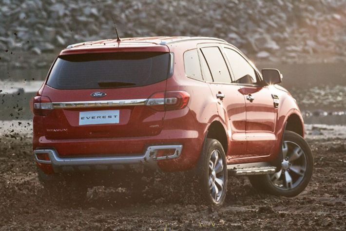 2015_ford_everest_02
