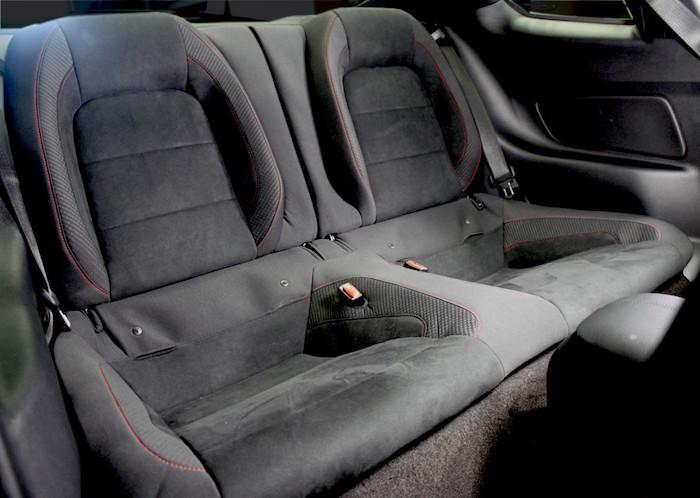 gt350r-backseat