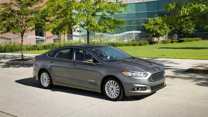 Ford Fusion Hybrid 1