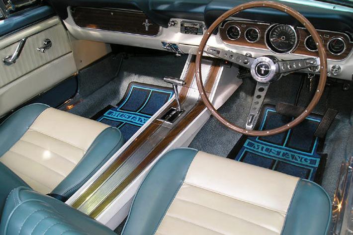 1965-ford-mustang-convertible-rhd