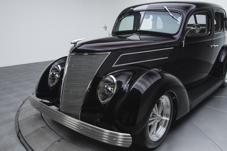 1937-Ford-Sedan_350069_low_res