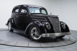 1937-Ford-Sedan_350076_low_res