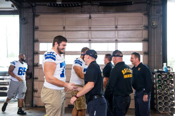 ford-dallas-cowboys-fire-station-43-makeover-team-firefighters-01