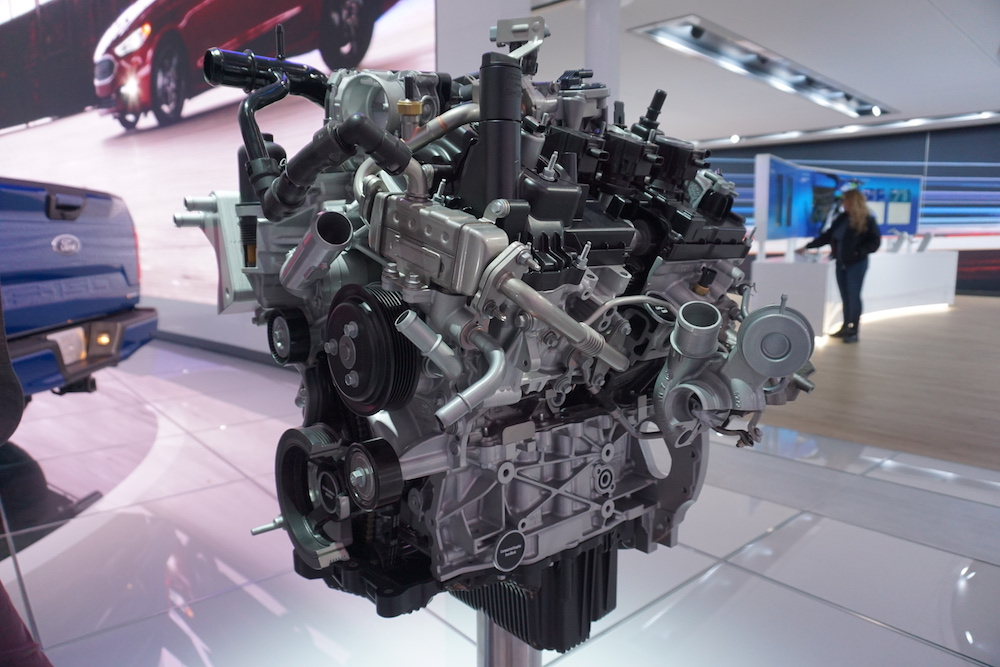 2.7 L Ecoboost V6 >> Meet The Engines Of The 2018 F 150 Ford Trucks Com