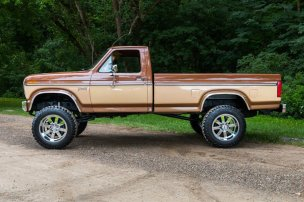 1985-ford-f-250-4x4-11