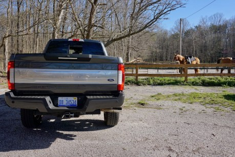 2017-ford-f-250-super-duty-platinum-review-17