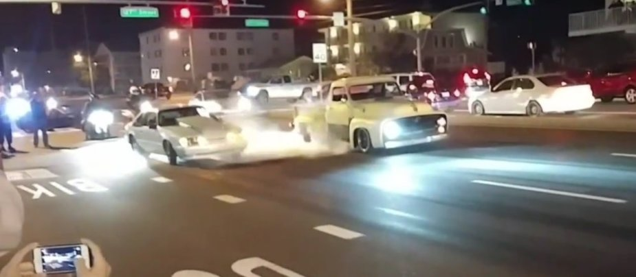 F-100 and Mustang Burnout