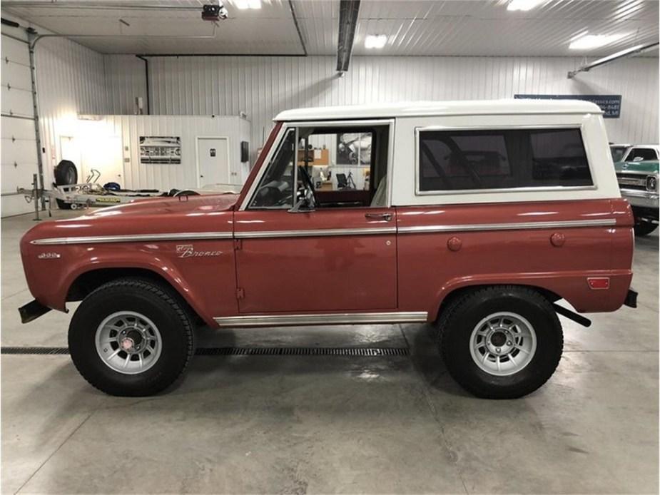 ford-trucks.com 1969 Ford Bronco