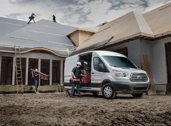 Ford Transit 150 Medium-roof Cargo Van