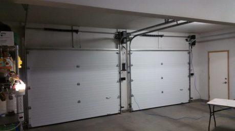 Ford Truck Garage