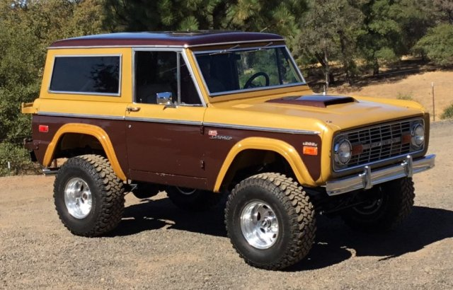 1970 Ford Bronco Front 34