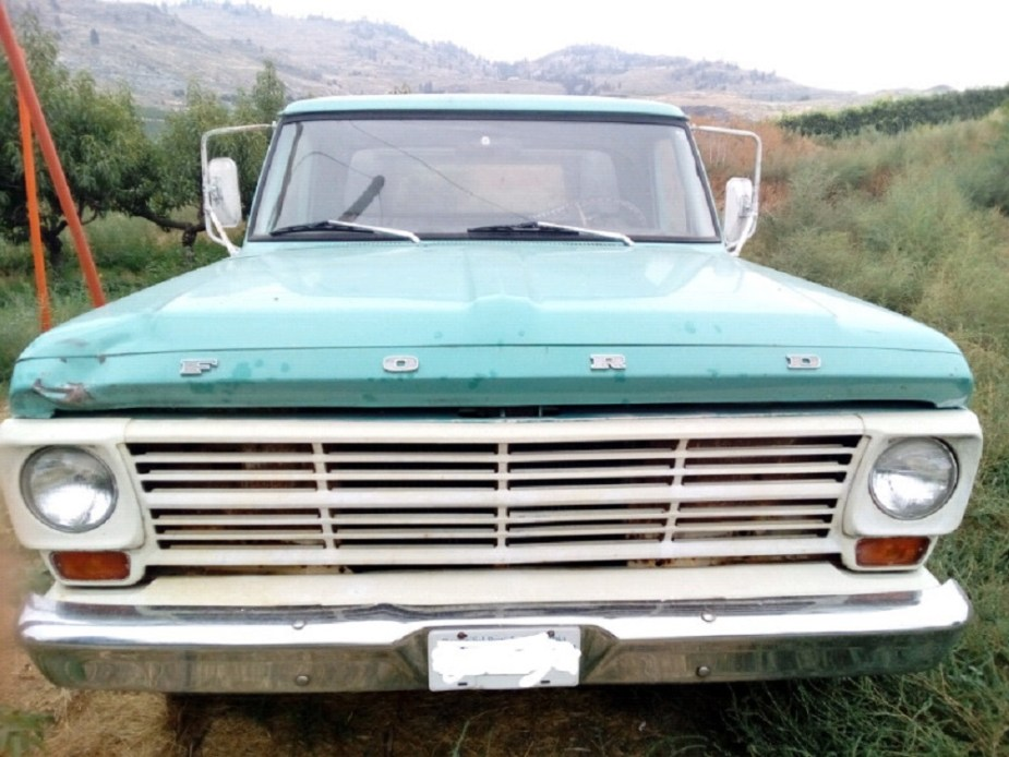 Ford Truck Enthusiasts - Ford F-100 Across Canada