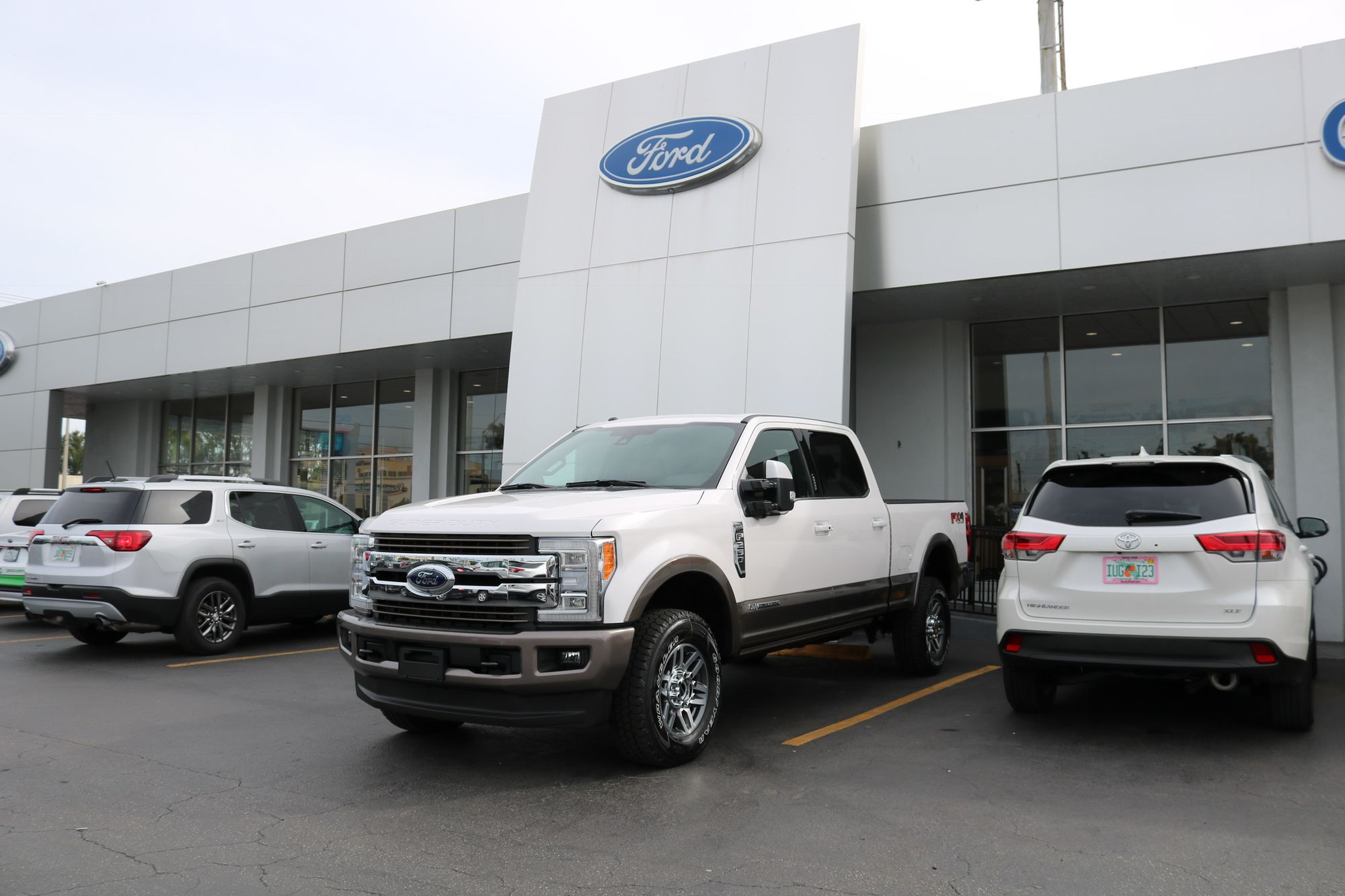 Ford truck dealership