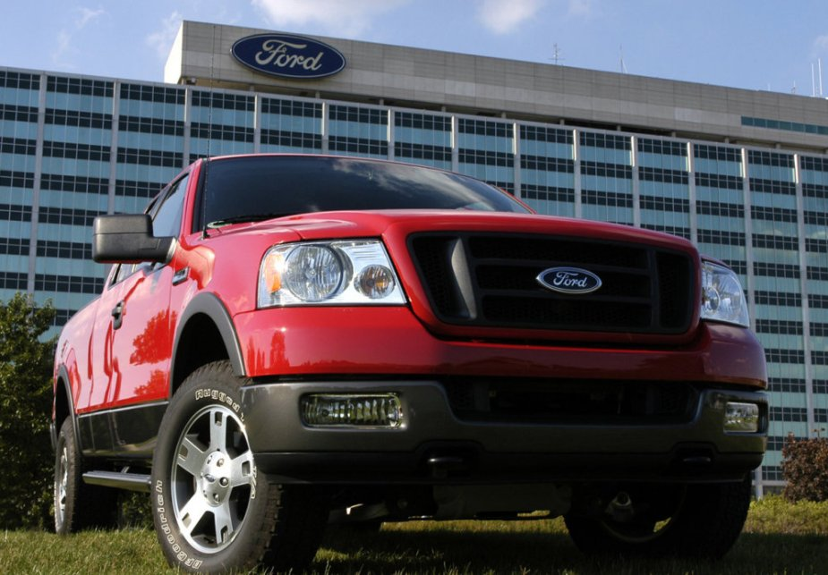 2006 Ford F-150 Low Front