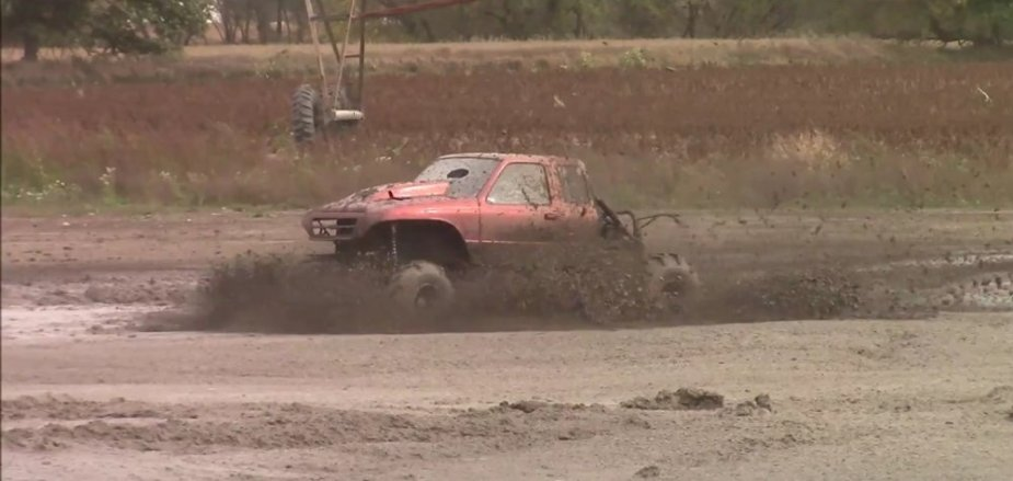 Ford Ranger Fast Mud Truck Moving