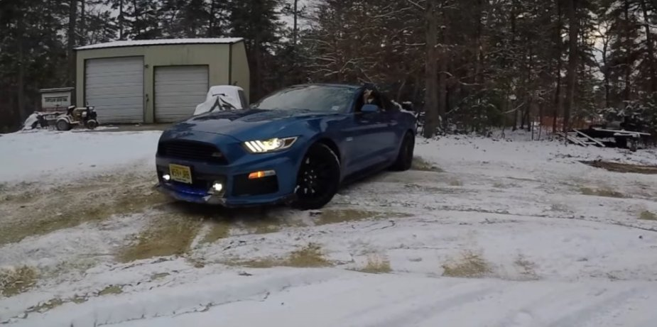 Ford Mustang Snow Drift