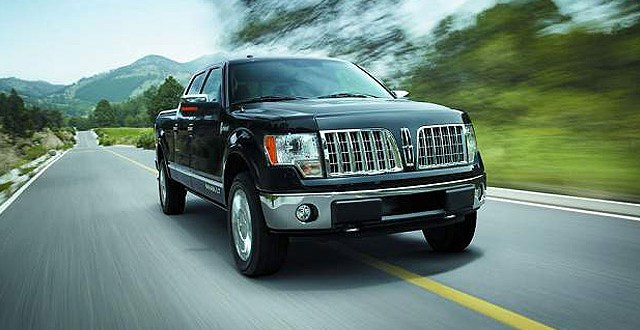 2018 Lincoln Mark LT front