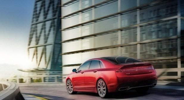2020 Lincoln MKZ rear