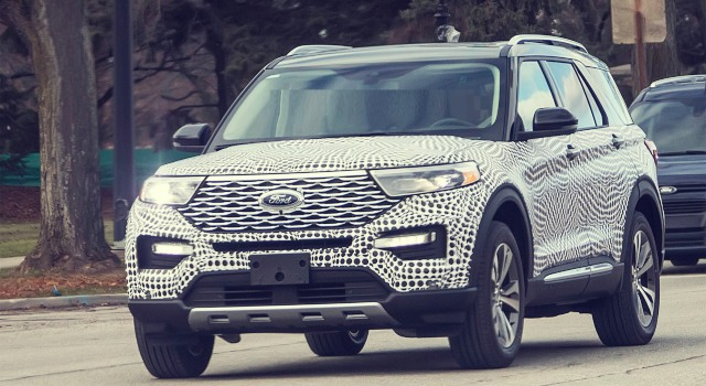 2020 Ford Explorer Platinum spy shots