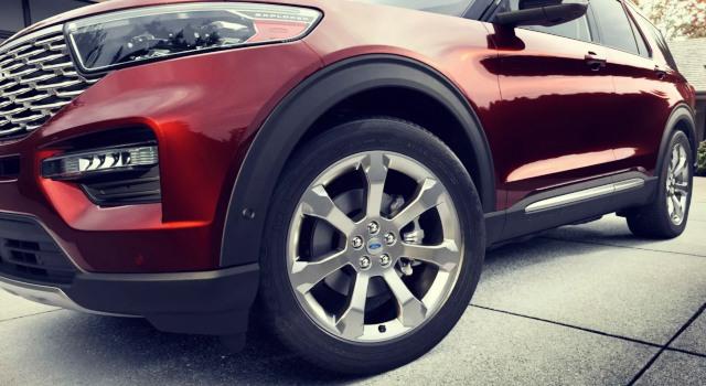 2020 Ford Explorer Platinum wheels