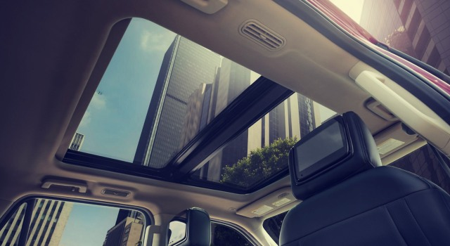 2020 Ford Expedition Platinum sunroof