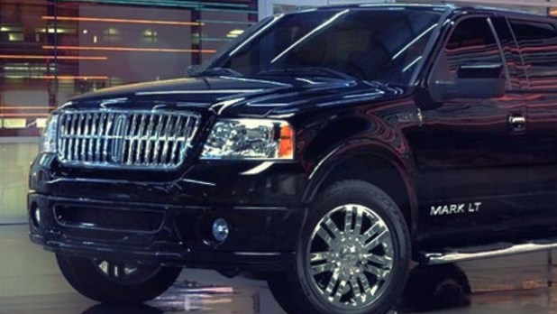 2020 Lincoln Mark LT exterior