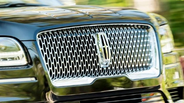2021 Lincoln Navigator grille
