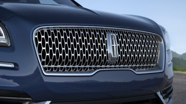 2021 Lincoln Nautilus grille