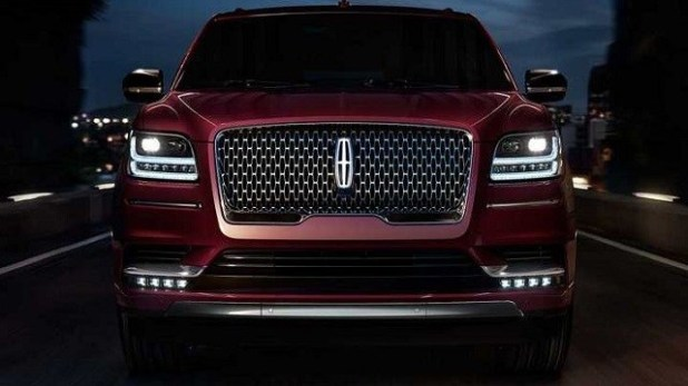 2021 Lincoln Mark LT front