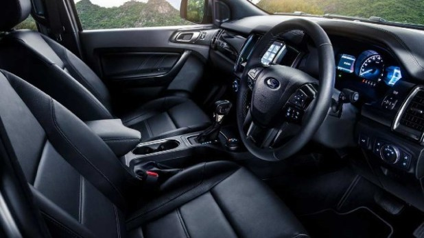 2022 Ford Everest interior