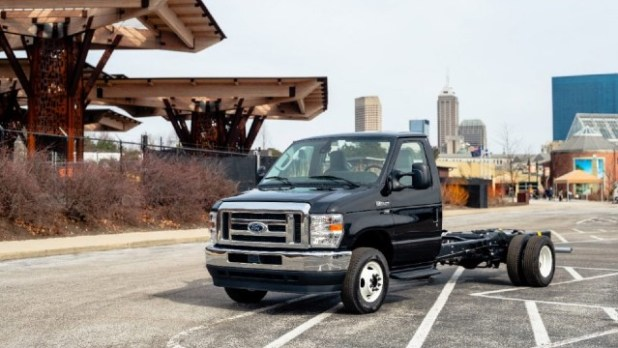 2022 Ford F-650 specs