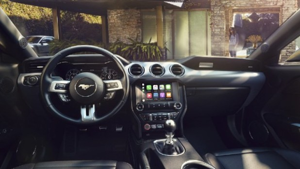 2022 Ford Mustang GT interior