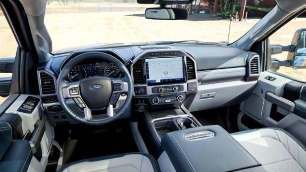 2023 Ford F-450 interior