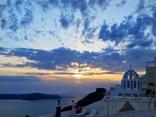 he Best 10 Tips for Breathtaking Photos in Santorini Greece