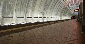 Be prepared for crowds, longer waits on Red Line due to Nov. 25-Dec. 10 Metro work