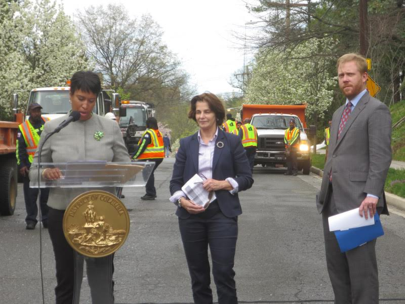 Mayor Bowser, Council member Cheh, and Director of DDOT Leif Dormsjo