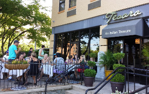 The Tesoro patio on another lovely late spring evening.