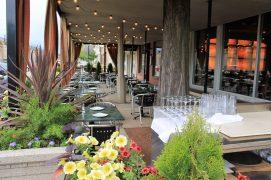 Cucina Paradiso's outdoor patio
