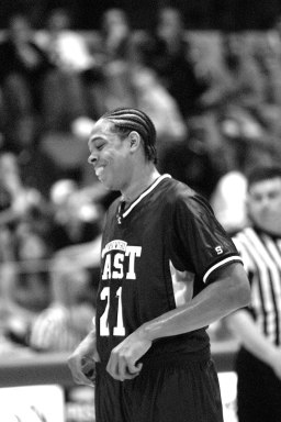 Shannon Brown on the court at Proviso East in 2003.