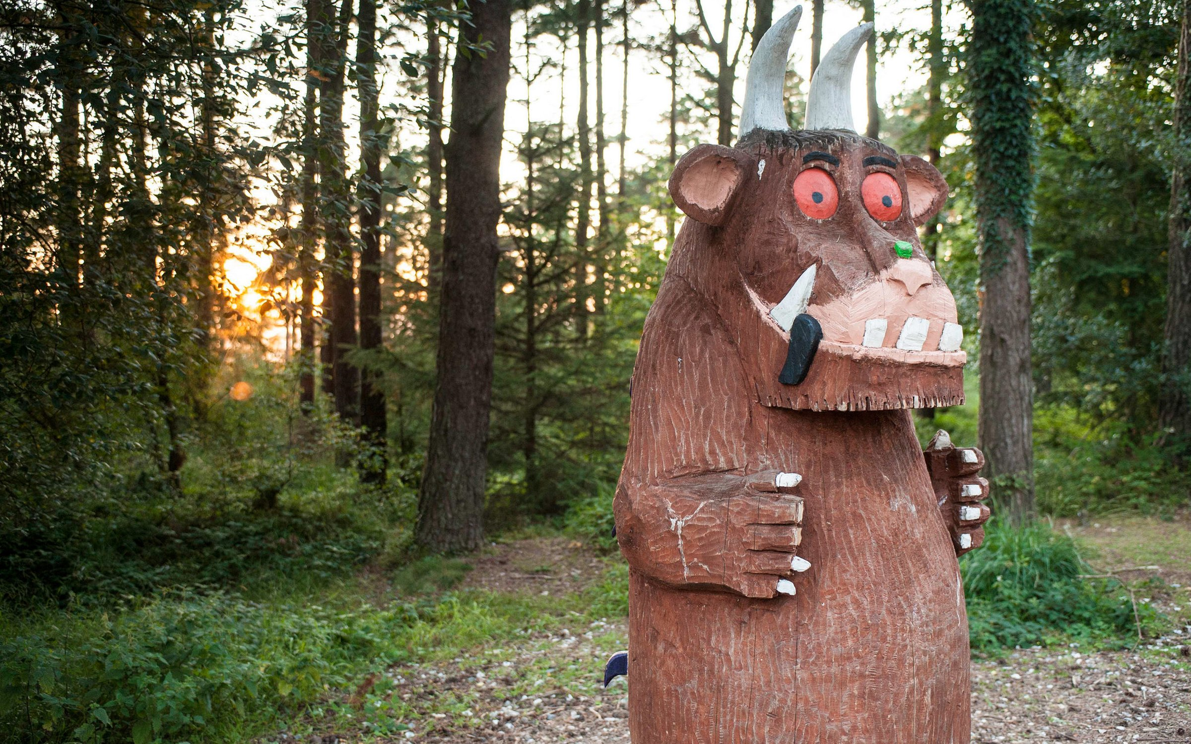 Kid friendly hiking walking running forest lake partially paved wildlife muddy. Gruffalo Sculptures At Alice Holt Forestry England