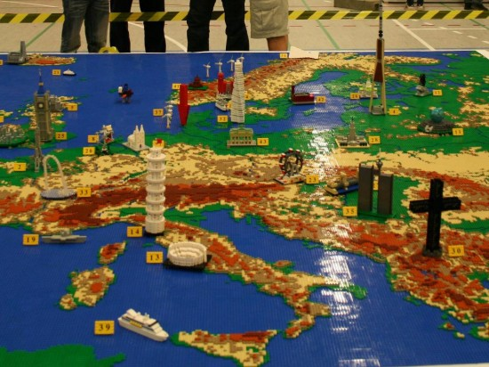 Map of Europe in LEGO   ForeverGeek Map of Europe in LEGO