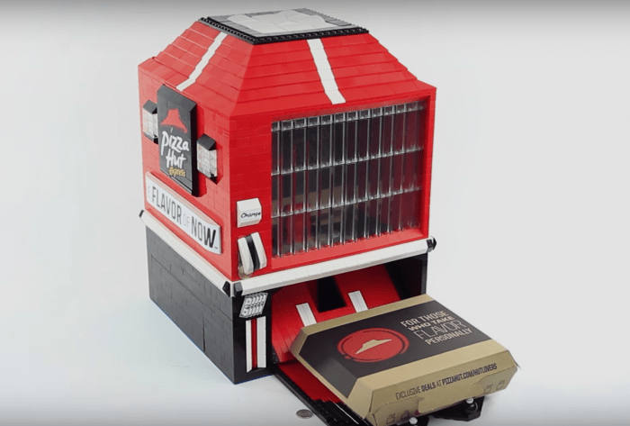 LEGO Personal Pan Pizza Vending Machine