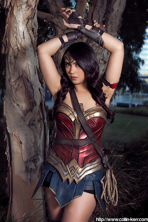 sexy wonder woman cosplay