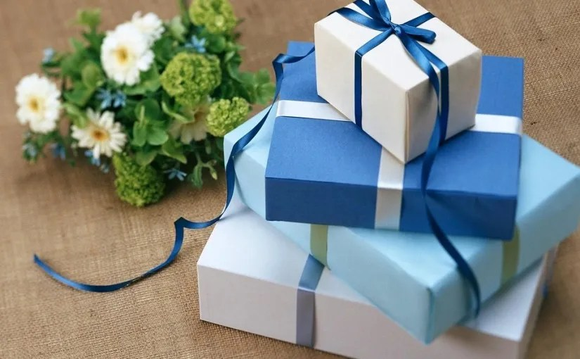 10 Recycled Gift Wrap Ideas The Waste Management Recycling Blog