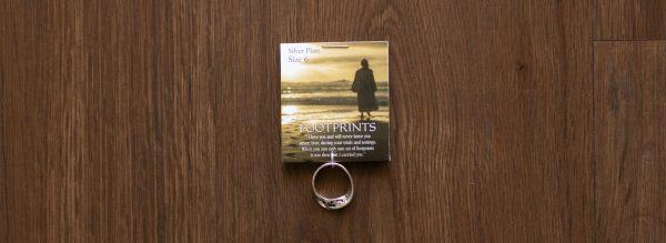 Footprints Mobius Ring