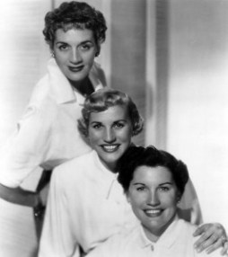 533px-The_Andrews_Sisters_1952