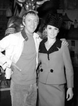 Stefanie_Powers_Noel_Harrison_Girl_From_UNCLE
